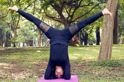 yog gokul headstand leg variation  yog gokul
